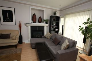 Photo 3: 5687 SPROTT Street in Burnaby: Central BN 1/2 Duplex for sale (Burnaby North)  : MLS®# R2573434