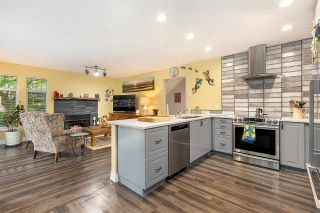 """Photo 10: 1148 STRATHAVEN Drive in North Vancouver: Northlands Townhouse for sale in """"Strathaven"""" : MLS®# R2579287"""