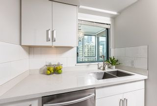 Photo 11: 2205 1238 MELVILLE Street in Vancouver: Coal Harbour Condo for sale (Vancouver West)  : MLS®# R2625071