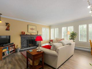 """Photo 2: 103 222 N TEMPLETON Drive in Vancouver: Hastings Condo for sale in """"CAMBRIDGE COURT"""" (Vancouver East)  : MLS®# R2383049"""