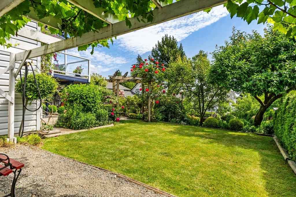 Photo 32: Photos: 6192 191A Street in Surrey: Cloverdale BC House for sale (Cloverdale)  : MLS®# R2279041