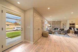Photo 4: 944 Parkvalley Way SE in Calgary: Parkland Detached for sale : MLS®# A1153564