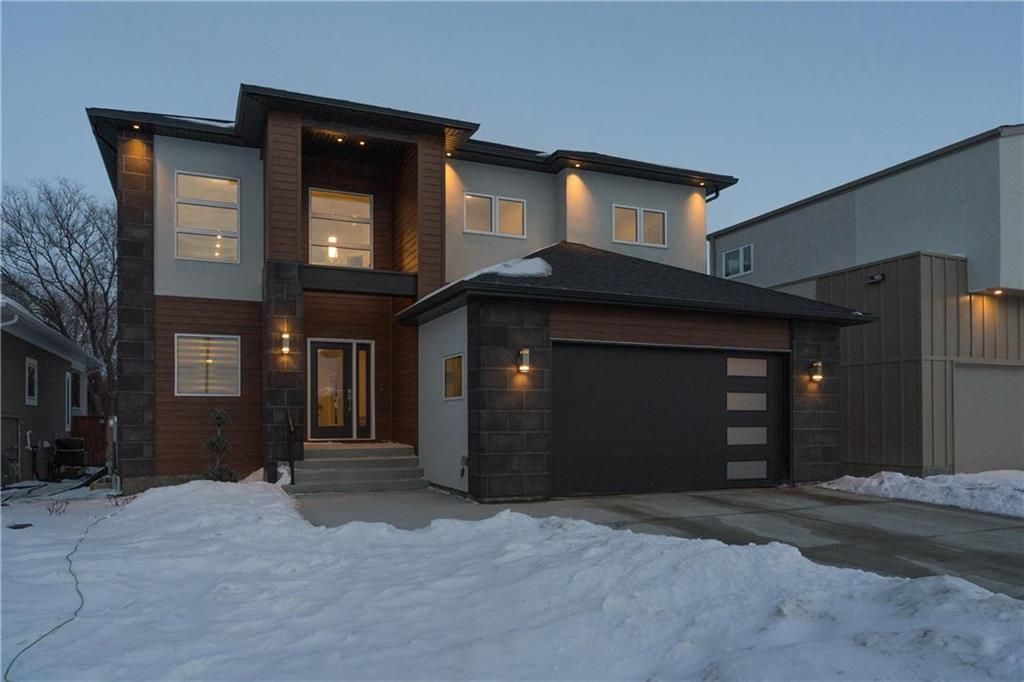 Main Photo: 445 Scotswood Drive South in Winnipeg: Charleswood Residential for sale (1G)  : MLS®# 202004764