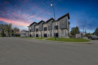 Photo 2: 2119 12 Street NW in Calgary: Capitol Hill Row/Townhouse for sale : MLS®# A1056315