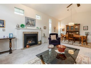 """Photo 17: 98 9012 WALNUT GROVE Drive in Langley: Walnut Grove Townhouse for sale in """"Queen Anne Green"""" : MLS®# R2456444"""