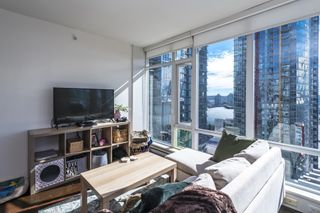"""Photo 10: 1805 161 W GEORGIA Street in Vancouver: Downtown VW Condo for sale in """"COSMO"""" (Vancouver West)  : MLS®# R2620825"""
