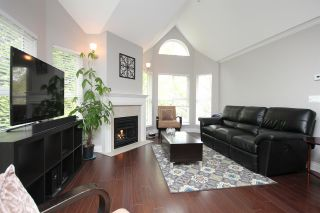 """Photo 3: 203 12088 66 Avenue in Surrey: West Newton Condo for sale in """"LAKEWOOD TERRACE"""" : MLS®# R2382551"""
