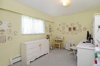 Photo 17: 405 LAURENTIAN Crescent in Coquitlam: Central Coquitlam House for sale : MLS®# R2103596