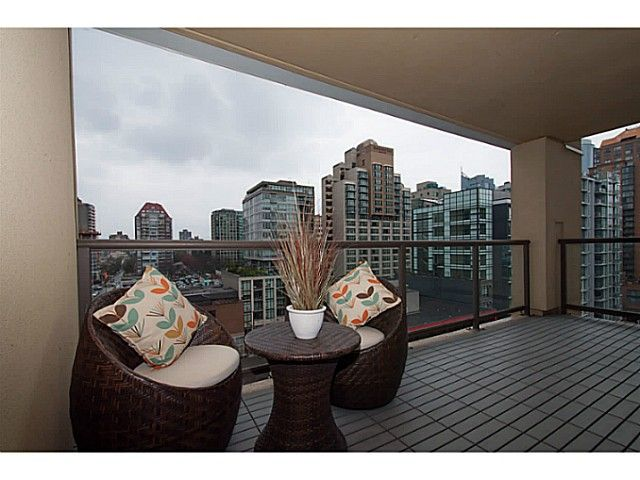 """Main Photo: 1102 789 DRAKE Street in Vancouver: Downtown VW Condo for sale in """"Century Tower"""" (Vancouver West)  : MLS®# V1057525"""