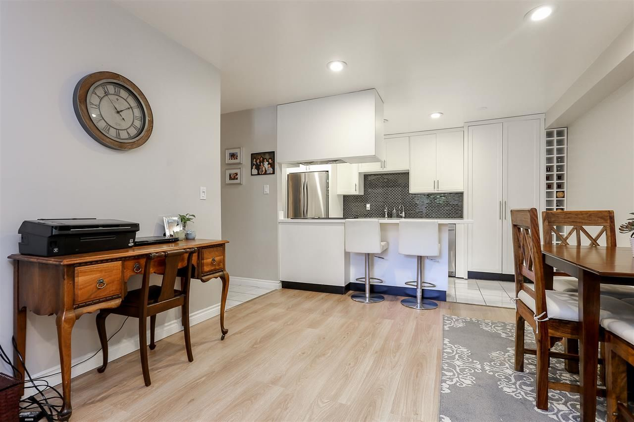 """Photo 4: Photos: 103 1484 CHARLES Street in Vancouver: Grandview VE Condo for sale in """"LANDMARK ARMS"""" (Vancouver East)  : MLS®# R2013401"""