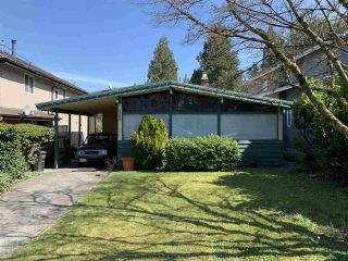 Photo 1: 6382 MALVERN Avenue in Burnaby: Buckingham Heights House for sale (Burnaby South)  : MLS®# R2353339