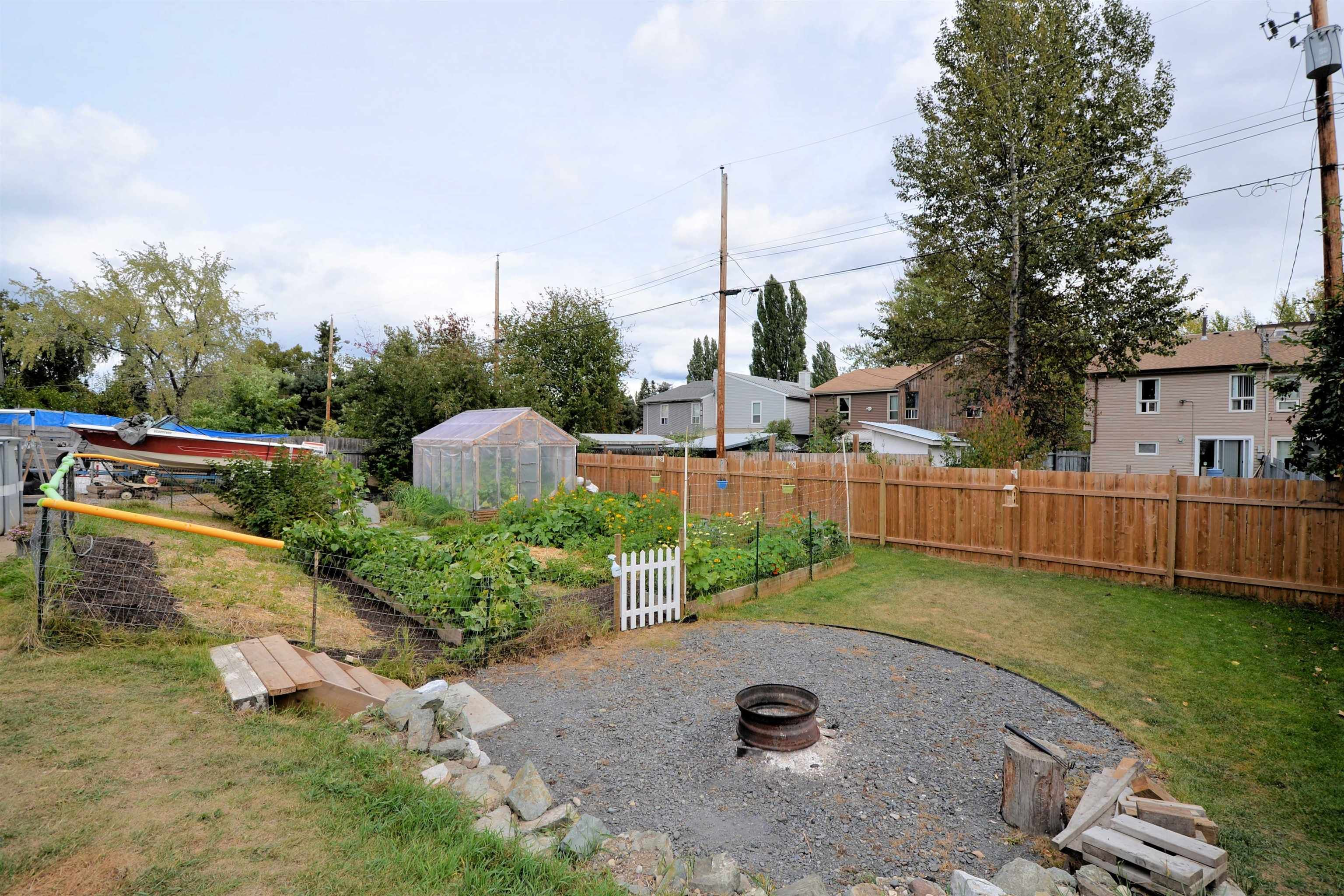 """Photo 16: Photos: 2306 OAK Street in Prince George: VLA House for sale in """"VLA"""" (PG City Central (Zone 72))  : MLS®# R2615261"""