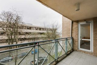 """Photo 15: 303 500 W 10TH Avenue in Vancouver: Fairview VW Condo for sale in """"Cambridge Court"""" (Vancouver West)  : MLS®# R2050237"""