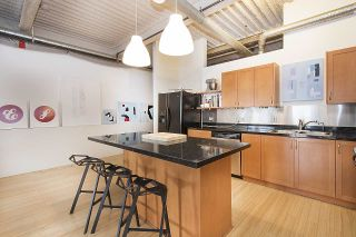 """Photo 9: 210 237 E 4TH Avenue in Vancouver: Mount Pleasant VE Condo for sale in """"ARTWORKS"""" (Vancouver East)  : MLS®# R2239279"""