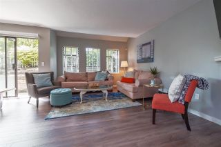 """Photo 3: 6 98 BEGIN Street in Coquitlam: Maillardville Townhouse for sale in """"Le Parc"""" : MLS®# R2390073"""