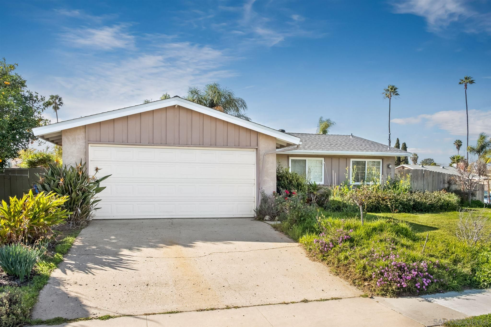 Main Photo: CLAIREMONT House for sale : 4 bedrooms : 4296 Mount Putman Ave in San Diego