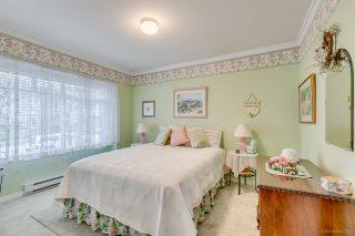 """Photo 22: 2 5201 OAKMOUNT Crescent in Burnaby: Oaklands Townhouse for sale in """"HARLANDS"""" (Burnaby South)  : MLS®# R2161248"""
