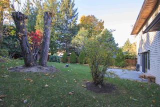 """Photo 18: 2369 WOODSTOCK Drive in Abbotsford: Abbotsford East House for sale in """"McMillan Area"""" : MLS®# R2218848"""