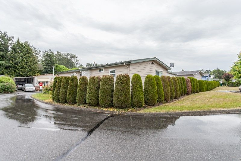 """Photo 4: Photos: 34 1640 162 Street in Surrey: King George Corridor Manufactured Home for sale in """"Cherry Brook Park"""" (South Surrey White Rock)  : MLS®# R2078301"""