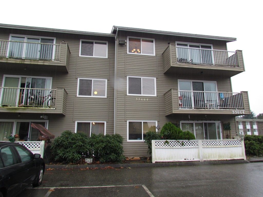 Main Photo: 104 33664 Marshall Road in Abbotsford: Condo for rent