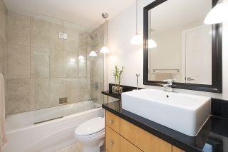 "Photo 12: 304 2255 YORK Avenue in Vancouver: Kitsilano Condo for sale in ""BEACH HOUSE"" (Vancouver West)  : MLS®# R2301531"