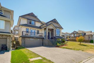 """Photo 2: 14616 76A Avenue in Surrey: East Newton House for sale in """"Chimney Hill"""" : MLS®# R2603875"""