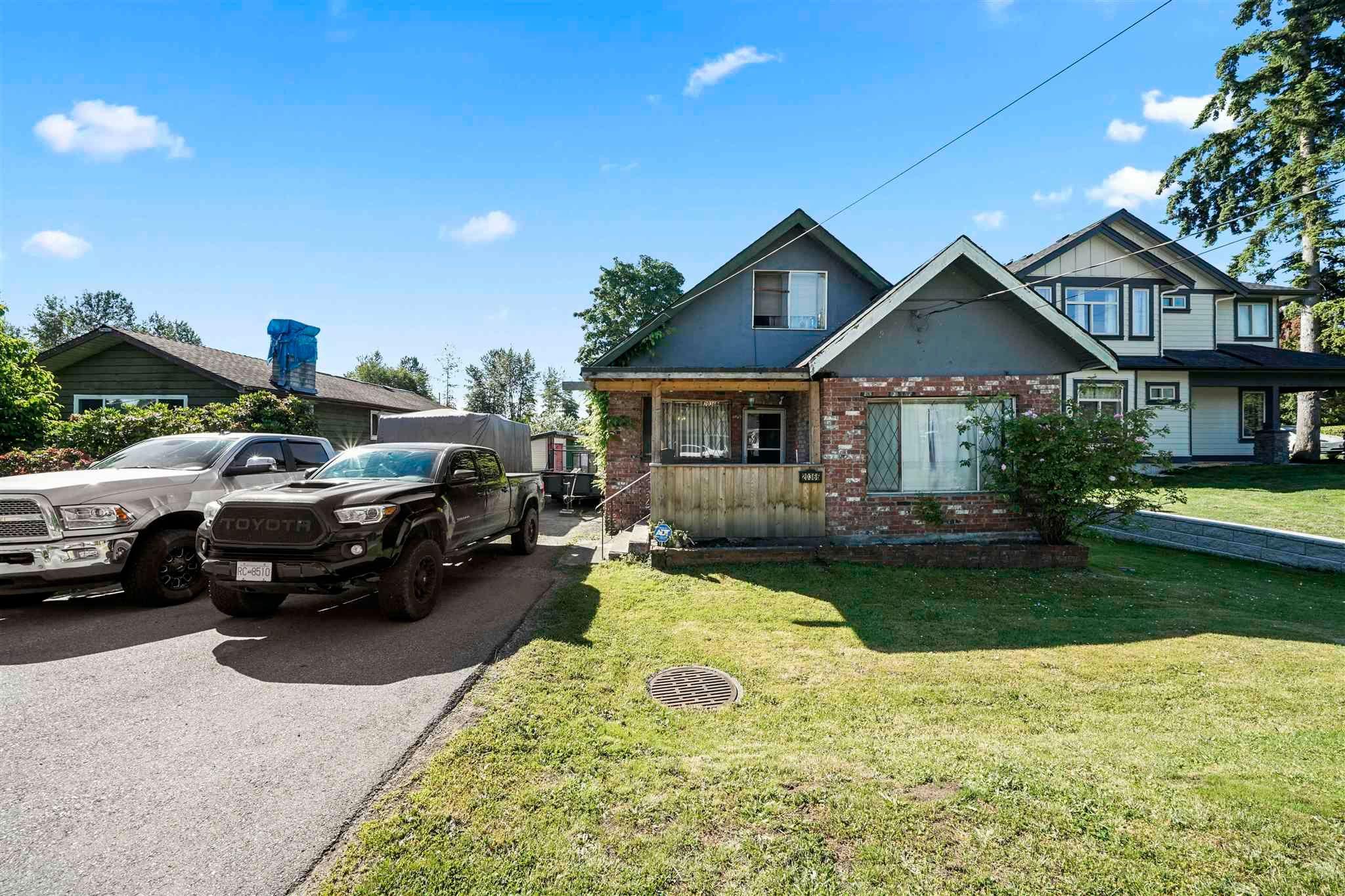Main Photo: 20366 LORNE Avenue in Maple Ridge: Southwest Maple Ridge House for sale : MLS®# R2595034