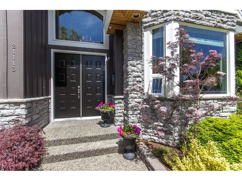 "Photo 4: Photos: 21113 44A Avenue in Langley: Brookswood Langley House for sale in ""CEDAR RIDGE"" : MLS®# R2173937"