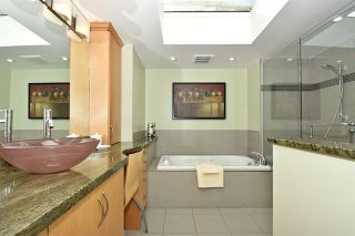 """Photo 34: 567 W 22ND Avenue in Vancouver: Cambie House for sale in """"DOUGLAS PARK"""" (Vancouver West)  : MLS®# R2049305"""
