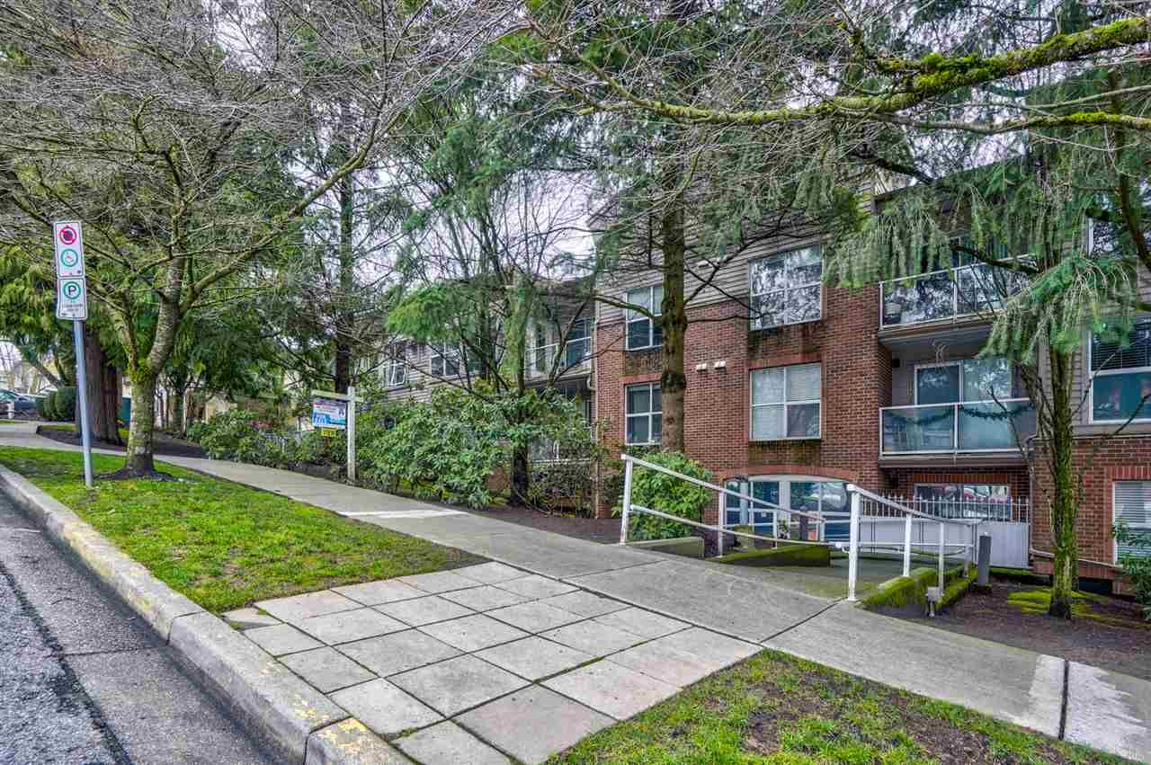 """Main Photo: 404 4181 NORFOLK Street in Burnaby: Central BN Condo for sale in """"Norfolk Place"""" (Burnaby North)  : MLS®# R2525232"""