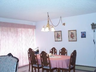 Photo 5: 418 - 31955 Old Yale Road: House for sale (Clearbrook)