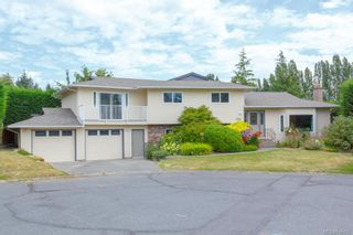 Photo 1: 7219 Tantalon Pl in Central Saanich: CS Brentwood Bay House for sale : MLS®# 845092
