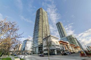 "Photo 1: 3702 2008 ROSSER Avenue in Burnaby: Brentwood Park Condo for sale in ""Stratus at Solo District"" (Burnaby North)  : MLS®# R2426460"