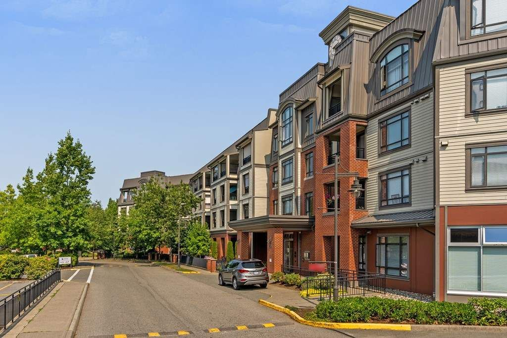 "Main Photo: 316 8880 202 Street in Langley: Walnut Grove Condo for sale in ""The Residence"" : MLS®# R2294542"