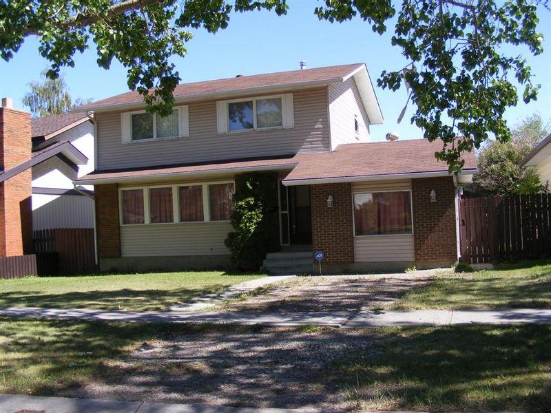 FEATURED LISTING: 1324 Norfolk Drive Northwest Calgary