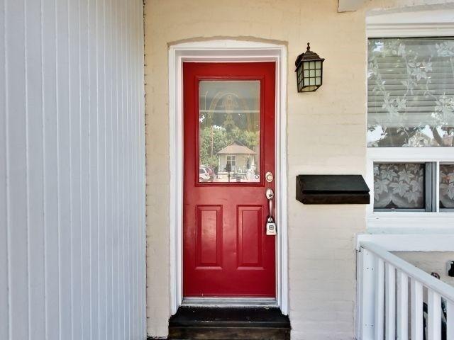 Photo 12: Photos: 843 Sammon Avenue in Toronto: Danforth Village-East York House (2-Storey) for sale (Toronto E03)  : MLS®# E3585515