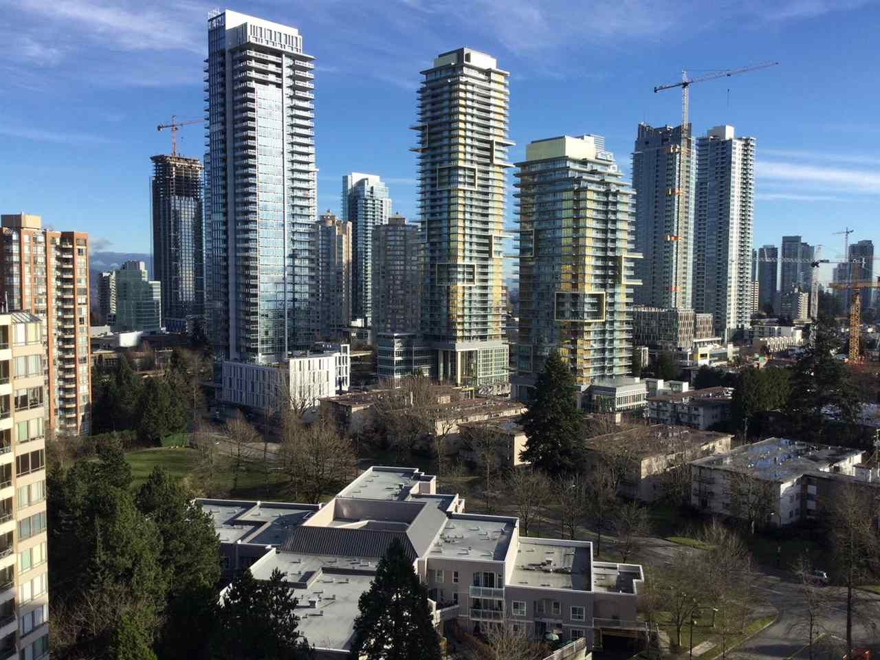 """Photo 11: Photos: 1802 4300 MAYBERRY Street in Burnaby: Metrotown Condo for sale in """"Times Square"""" (Burnaby South)  : MLS®# R2529822"""