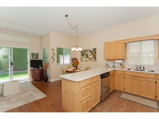 """Photo 9: 117 9012 WALNUT GROVE Drive in Langley: Walnut Grove Townhouse for sale in """"Queen Anne Green"""" : MLS®# R2184552"""