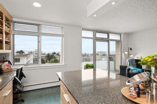 Photo 1: 805 250 Douglas St in : Vi James Bay Condo for sale (Victoria)  : MLS®# 861436
