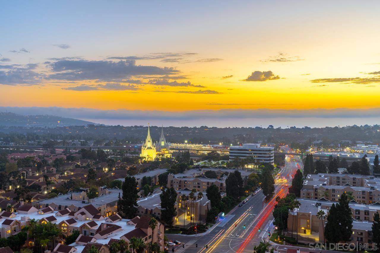 Main Photo: UNIVERSITY CITY Condo for sale : 2 bedrooms : 3890 Nobel Dr #2003 in San Diego