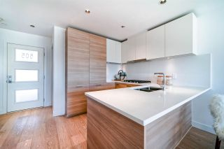 """Photo 12: 505 3456 COMMERCIAL Street in Vancouver: Victoria VE Condo for sale in """"Mercer"""" (Vancouver East)  : MLS®# R2496302"""