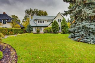 Photo 1: 2726 Montcalm Crescent in Calgary: Upper Mount Royal Detached for sale : MLS®# A1072470