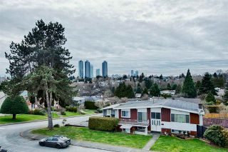 Photo 28: 5538 MEADEDALE Drive in Burnaby: Parkcrest House for sale (Burnaby North)  : MLS®# R2622257