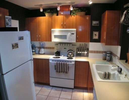 """Photo 4: Photos: 404 155 E 3RD ST in North Vancouver: Lower Lonsdale Condo for sale in """"THE SOLANO"""" : MLS®# V610957"""