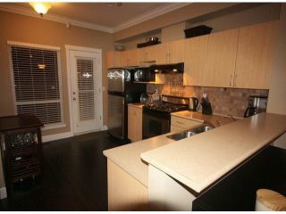 """Photo 3: 28 15065 58 Avenue in Surrey: Sullivan Station Townhouse for sale in """"SPRINGHILL"""" : MLS®# R2026880"""