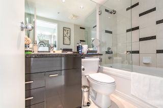"""Photo 10: 2202 1408 STRATHMORE Mews in Vancouver: Yaletown Condo for sale in """"WEST ONE"""" (Vancouver West)  : MLS®# R2432434"""
