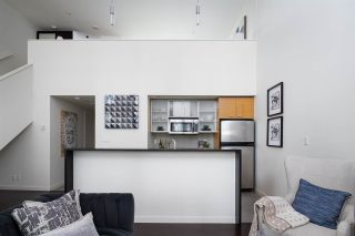 Photo 5: 301 29 SMITHE MEWS in Vancouver: Yaletown Condo for sale (Vancouver West)  : MLS®# R2411644