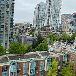 """Photo 4: 901 928 HOMER Street in Vancouver: Yaletown Condo for sale in """"YALETOWN PARK 1"""" (Vancouver West)  : MLS®# R2586722"""