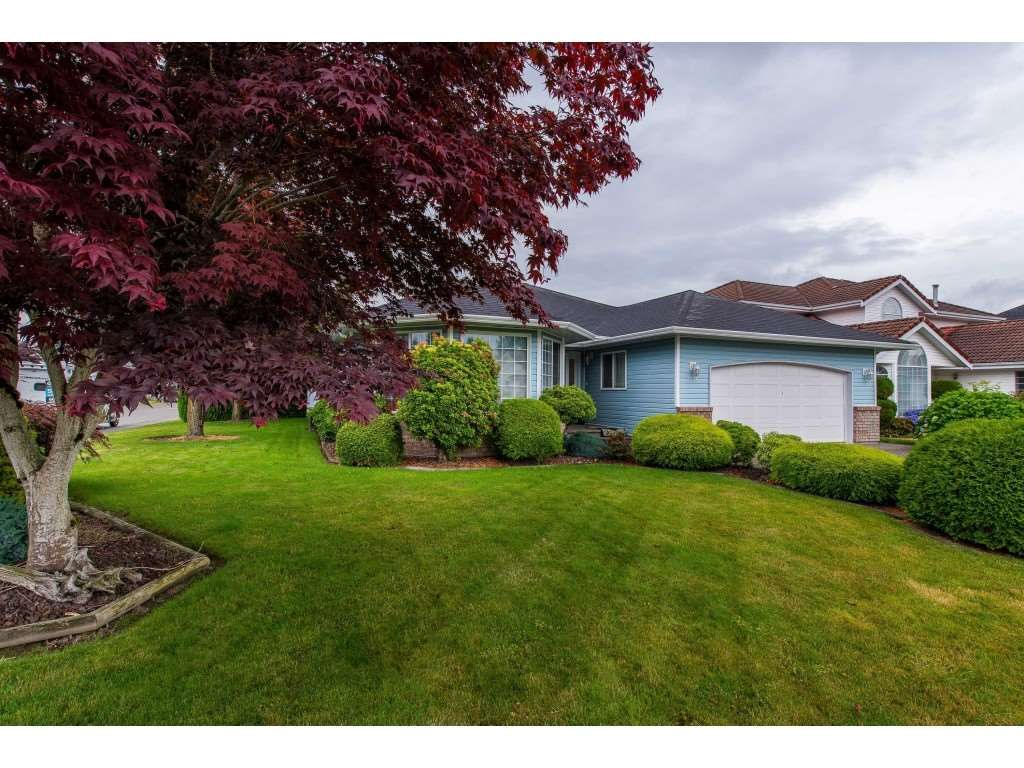 Main Photo: 7501 RUBY Place in Sardis: Sardis West Vedder Rd House for sale : MLS®# R2386935