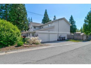 """Photo 3: 2125 128 Street in Surrey: Crescent Bch Ocean Pk. House for sale in """"Ocean Park"""" (South Surrey White Rock)  : MLS®# R2591158"""